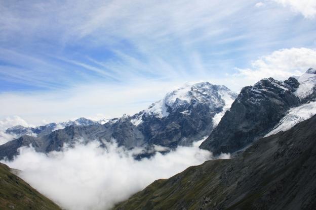 mountain-1364080-1279x852